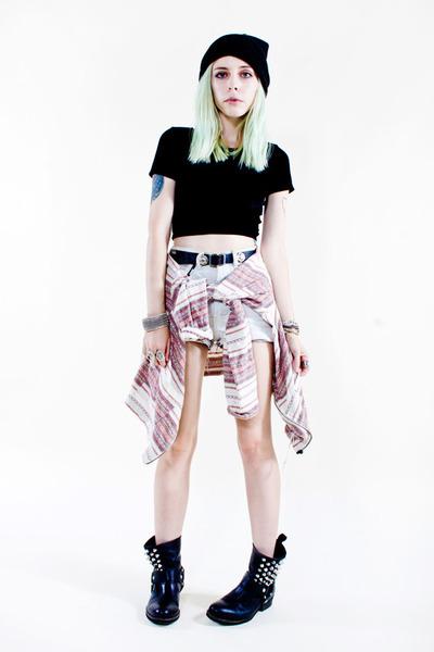 black tba boots - light pink vintage shirt - light blue vintage shorts