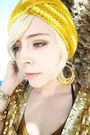 Yellow-knit-turban-vintage-hat-dark-khaki-pleated-vintage-shorts-gold-sequin