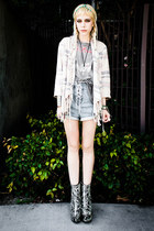 heather gray Secondhand boots - off white Billabong sweater