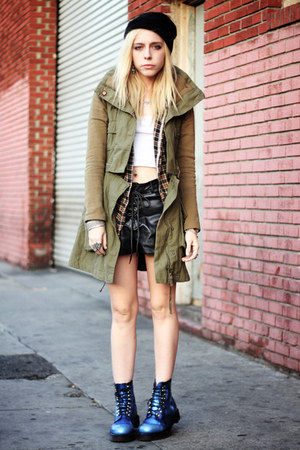 olive green Lamb & Flag jacket - blue Dr Martens boots