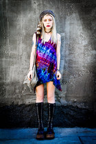 black vintage boots - magenta tie-dye vintage dress - brown vintage hat