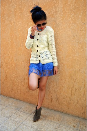 violet lace freeze skirt - dark khaki Aldo shoes - cream Bazaar sweater