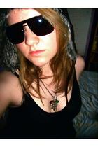 dior homme sunglasses - vintage hat - Rosa Camshmere vest