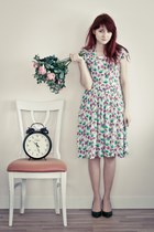 floral vintage dress - dark green Zara heels