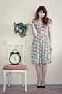 Floral-vintage-dress-dark-green-zara-heels