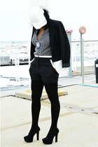 black Lush shorts - white leather hat - white colorblock Black Rainn blazer