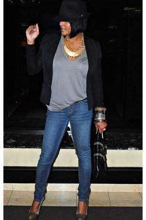 gray BCBGMAXAZRIA heels - blue Levis jeans - black JNBY jacket