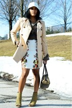 dark khaki Donald J Pliner shoes - beige trench WII8 Walter Baker coat