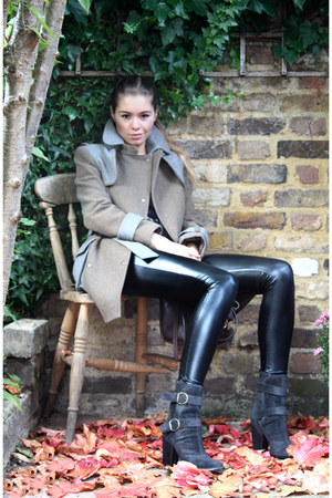 shiny American Apparel leggings - super comfy Fiorentini baker boots