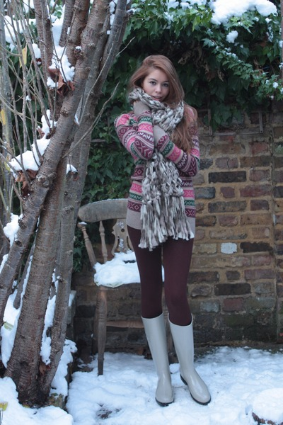 jack wills sweater - crimson Topshop leggings - ivory Burberry boots - Dorothy P