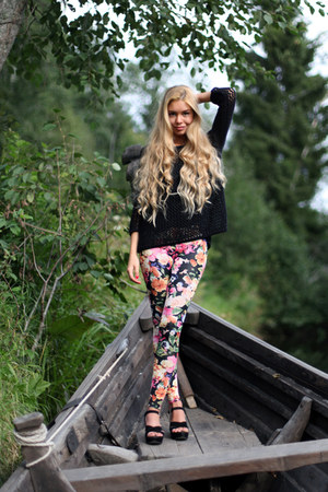 black Topshop jumper - hot pink floral print H&amp;M leggings