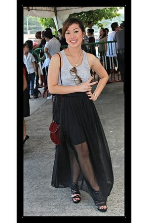 black chiffon fabric skirt - black leather shoes - maroon velvet bag