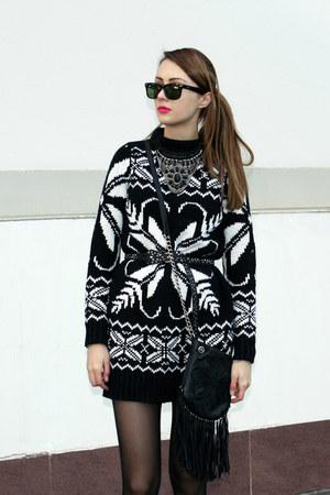 knitted kira plastinina dress - Ray Ban sunglasses