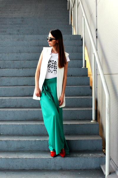 snaptee t-shirt - Ray Ban sunglasses - Zara flats - padded Sheinside vest