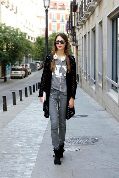 Ray Ban sunglasses - H&M pants
