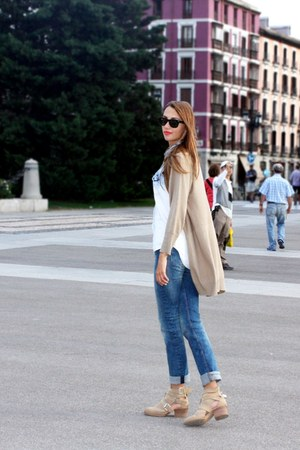 Zara boots - H&M jeans - Ray Ban sunglasses
