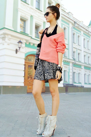 salmon new look sweater - ivory fringed heels - beige Topshop skirt