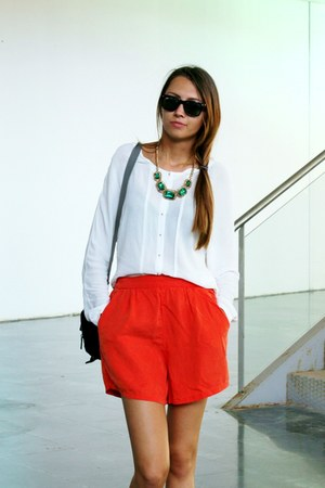 asos necklace - Zara shorts - Ray Ban sunglasses