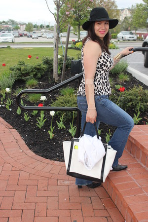 Nine West boots - American Eagle jeans - Bakers hat - Aldo bag - H&amp;M top