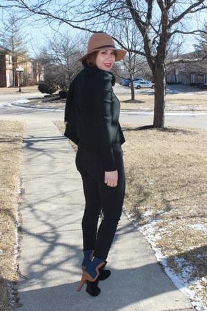 Forever 21 hat - Victorias Secret boots - American Eagle jeans