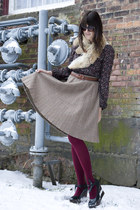 tan vintage skirt - dark brown Lulus shirt - crimson We Love Colors tights - bla