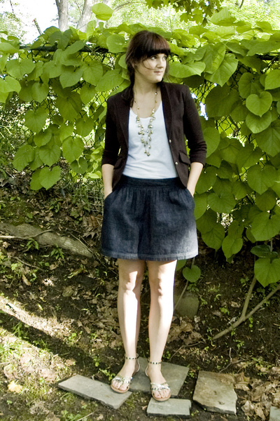 forever 21 blazer - forever 21 necklace - forever 21 t-shirt - Old Navy skirt -
