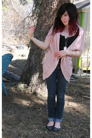 pink Forever 21 cardigan - black Guess shirt - blue jeans - black Studded flats