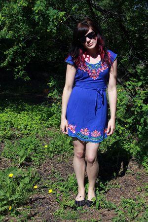 blue Forever 21 dress - black winners shoes