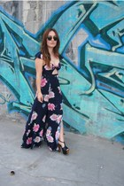 flower print The Reformation dress - clubmaster sunglasses