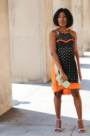 Paula Mendoza necklace - Diane Von Furstenberg dress - Club Monaco bag