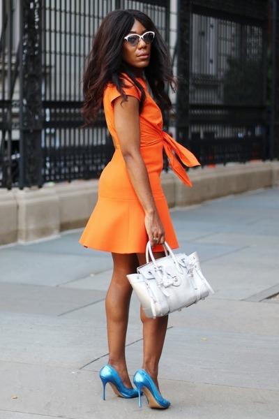 Carven dress - Ralph Lauren bag - Valentino sunglasses - Nicholas Kirkwood pumps
