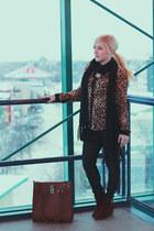 black knit Urban Behaviour scarf - camel leopard print Forever 21 blouse