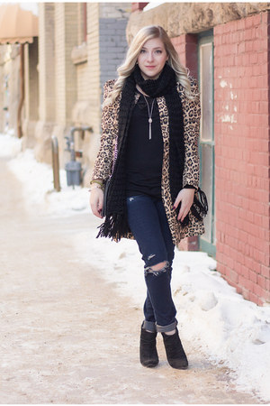 leopard print Yoins jacket - bangle Alex & Ani bracelet