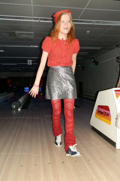 ruby red Boohoo shirt - ruby red tights - silver vintage skirt