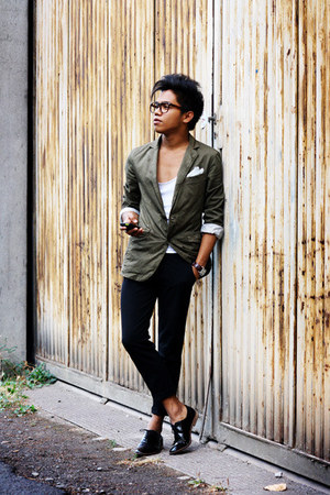 olive green Sisley blazer - black Shoes shoes - white Zara t-shirt