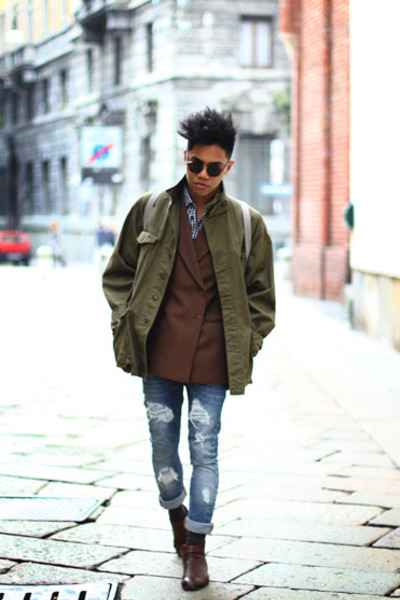 brown double breasted vintage blazer - brown ankle Zara boots