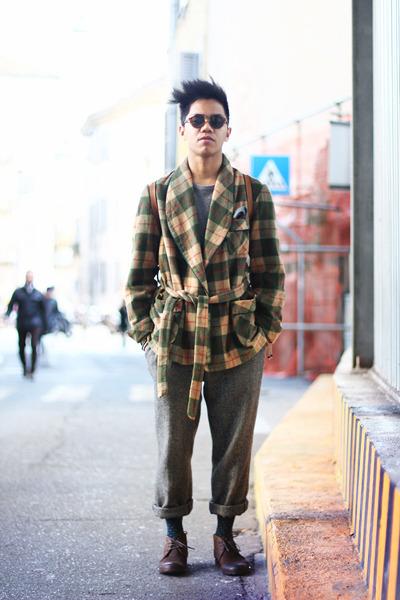 army green wool - bathrobe vintage coat - heather gray Sisley sweater