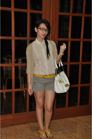 beige Mango sweater - white CMG bag - heather gray Promod shorts - yellow Schu f