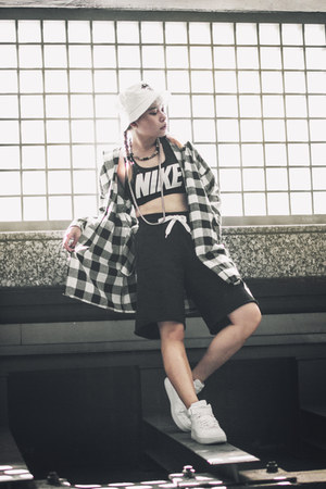 nike shorts - CNdirect shirt - nike intimate - nike sneakers