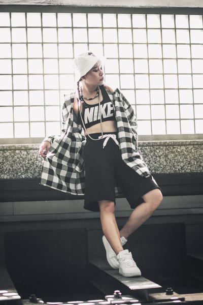 nike shorts - CNdirect shirt - nike intimate - nike sneakers