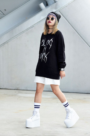 Blind Youth sweater - Rockstar Singapore shorts - YRU sneakers