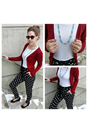 black retro sunglasses - white crew neck t-shirt - black polka dot pants