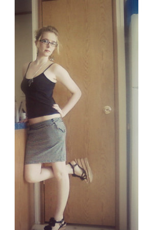 Wanted wedges - Annique top - xhilaration skirt