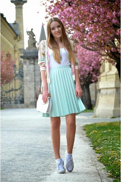 mint H&M skirt - floral vintage jacket - white vintage bag