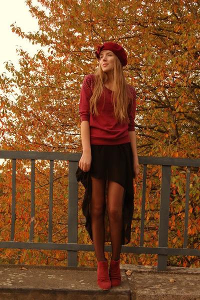beret Top Secret hat - red shoes Zign shoes - studded c&a shirt