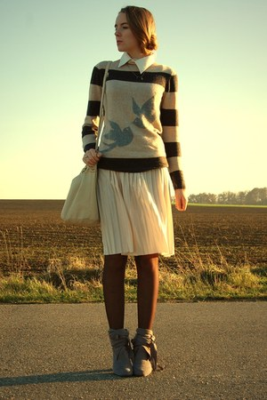 bird Esprit sweater - grey 3suisse shoes - pleated cream Primark skirt