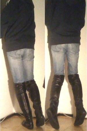 black Fred de la Bretonière boots - blue Levis jeans - navy Adidas hoodie