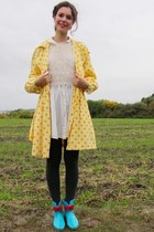 Polka dots and wellie boots