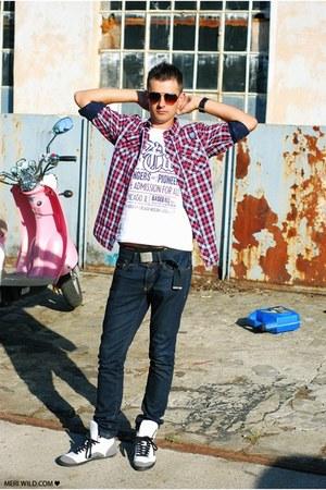 house jeans - house shirt - house t-shirt