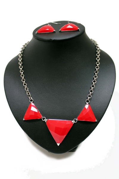 red triangle unbranded necklace